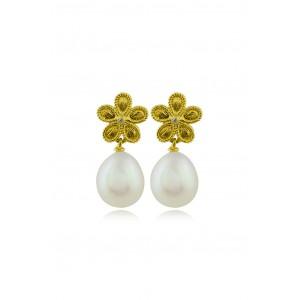 Κρεμαστά σκουλαρίκια μαργαρίτες με διαμάντια και μαργαριτάρια από Χρυσό Κ18